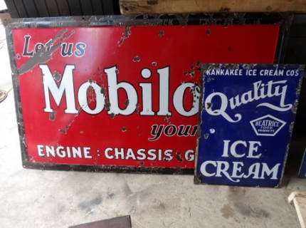 Shipshewana Indiana-Antique Auction- Mobilo Sign