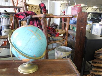 Shipshewana Auction-Antique-Globe