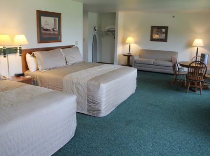 Farmstead Inn Shipshewana Indiana Hotel Suite 2 King Room