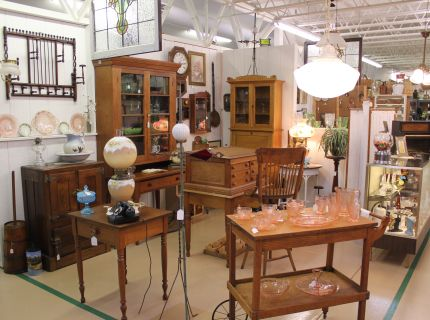 Shipshewana antiques, shipshewana expo barn, estate pieces,