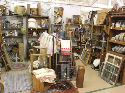 shipshewana antique market, shipshewana expo barn, primitives,
