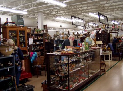 vintage and antiques at shipshewana expo barn.
