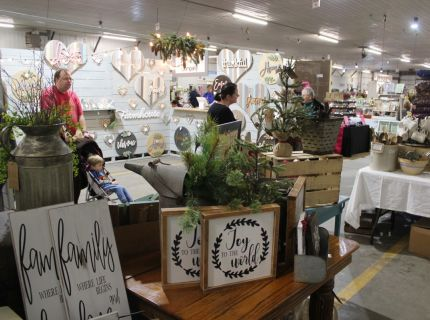 Ship-Chic Craft & Vintage Show Shipshewana Indiana Holiday Bazaar Fall Market