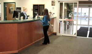 Farmstead Inn Shipshewana Indiana Hotel Checking In Front Desk