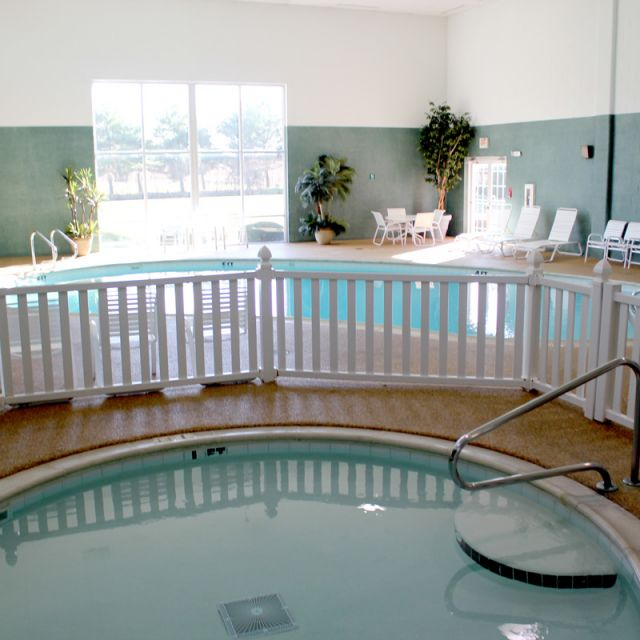 Farmstead Inn Shipshewana Hotel Indoor Pool