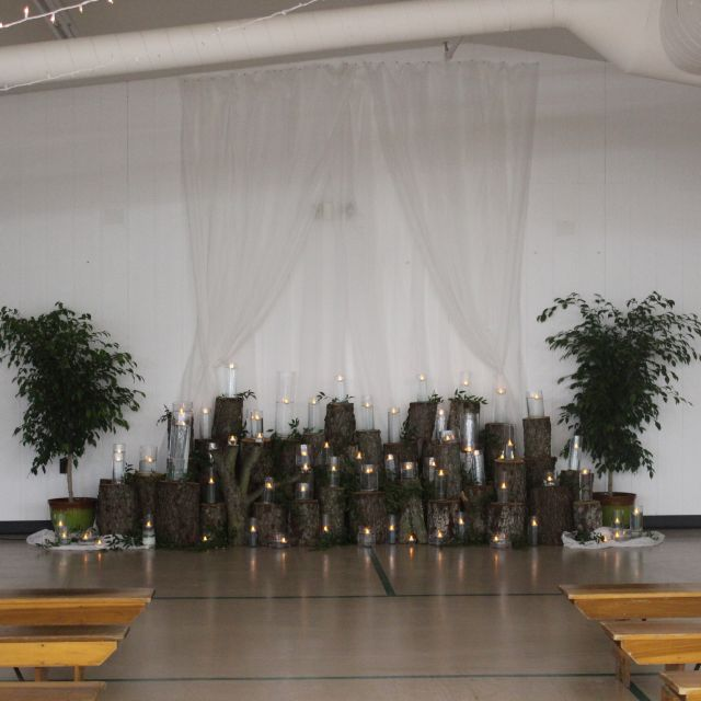 Shipshewana Indiana Wedding Venue Farmstead Expo Barn Ceremony