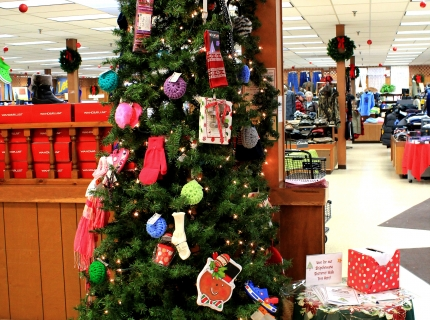 Shipshewana Christmas Tree Trail Yoder's Shopping Center