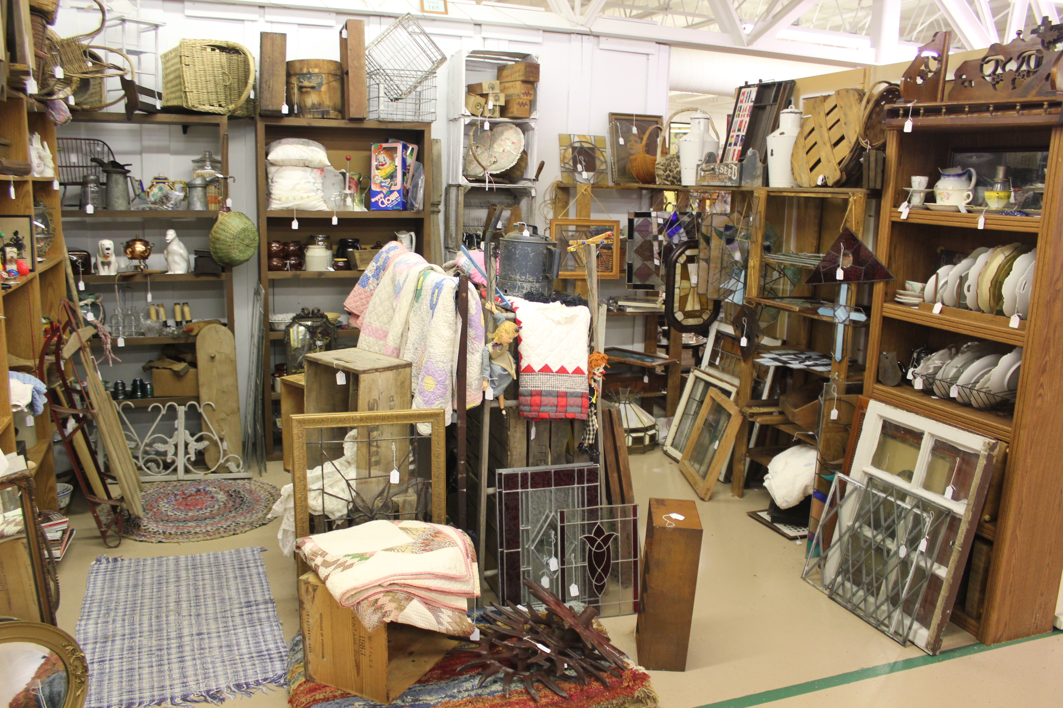 Guide to the shipshewana antique festival shipshewana for Antique marketplace