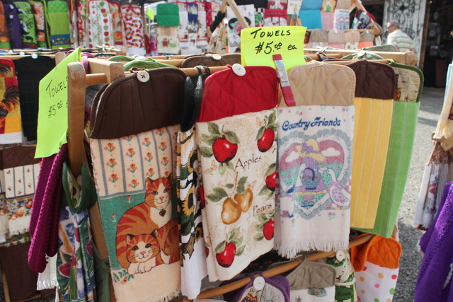 Shipshewana Auction-Kitchen Towels