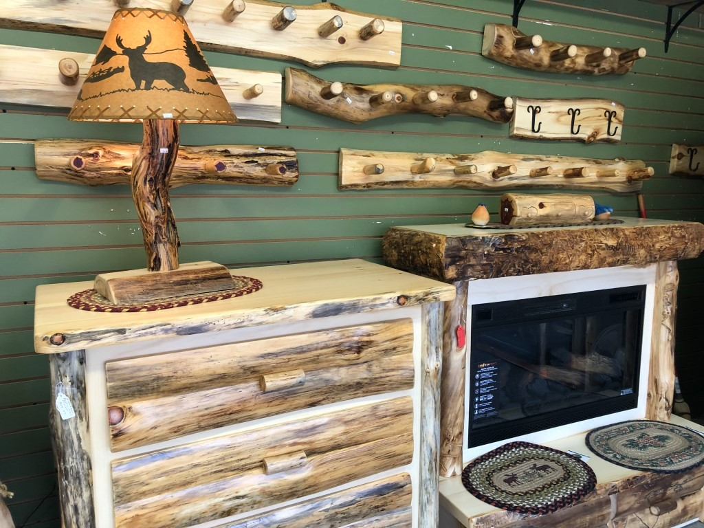 35+ Handmade & Hand-Crafted Booths at Shipshewana Flea Market