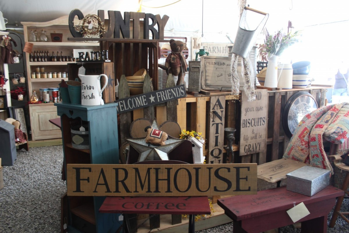 DIY Projects: Create Farmhouse Décor for your Home Using Flea Market Finds