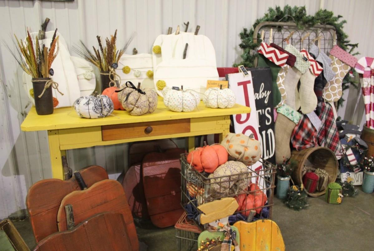 Holiday Craft Shows at Shipshewana Trading Place