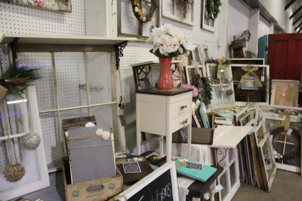 The Reason Why No One is Shopping your Flea Market Booth