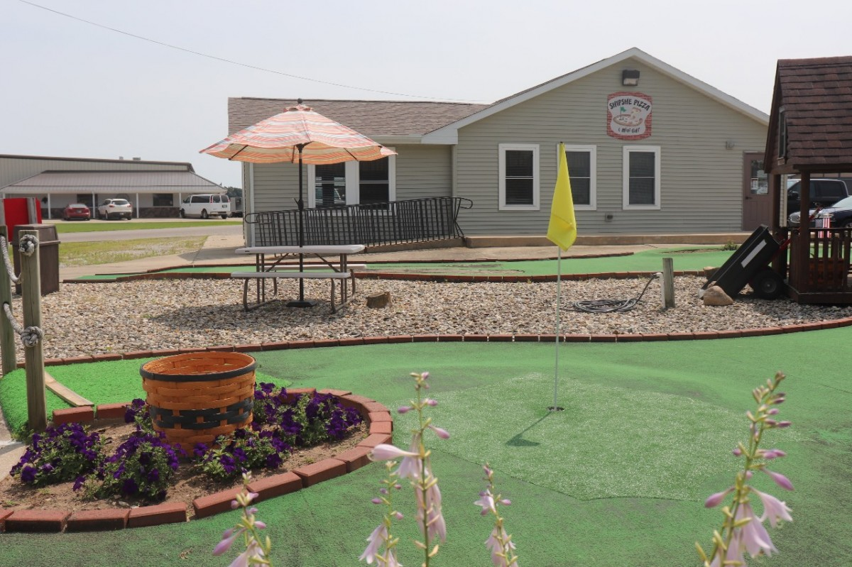 Shipshe Pizza & Mini Golf is The Best Place for a Family Outing in Shipshewana
